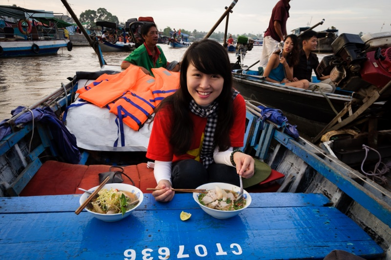 A-24-hour-discovery-of-Cai_Be-floating-market-03