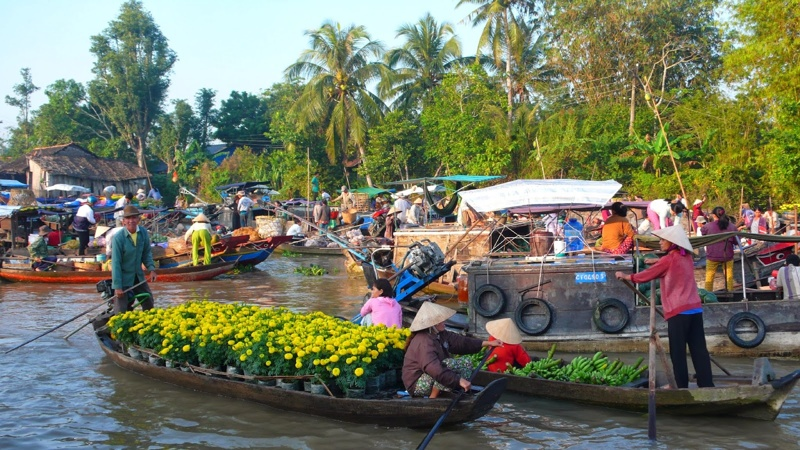 A-24-hour-discovery-of-Cai_Be-floating-market-10