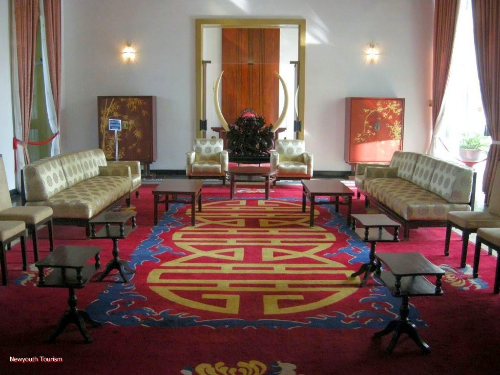 A_visit_to_Saigons_time_capsule_-_Independence_Palace_10