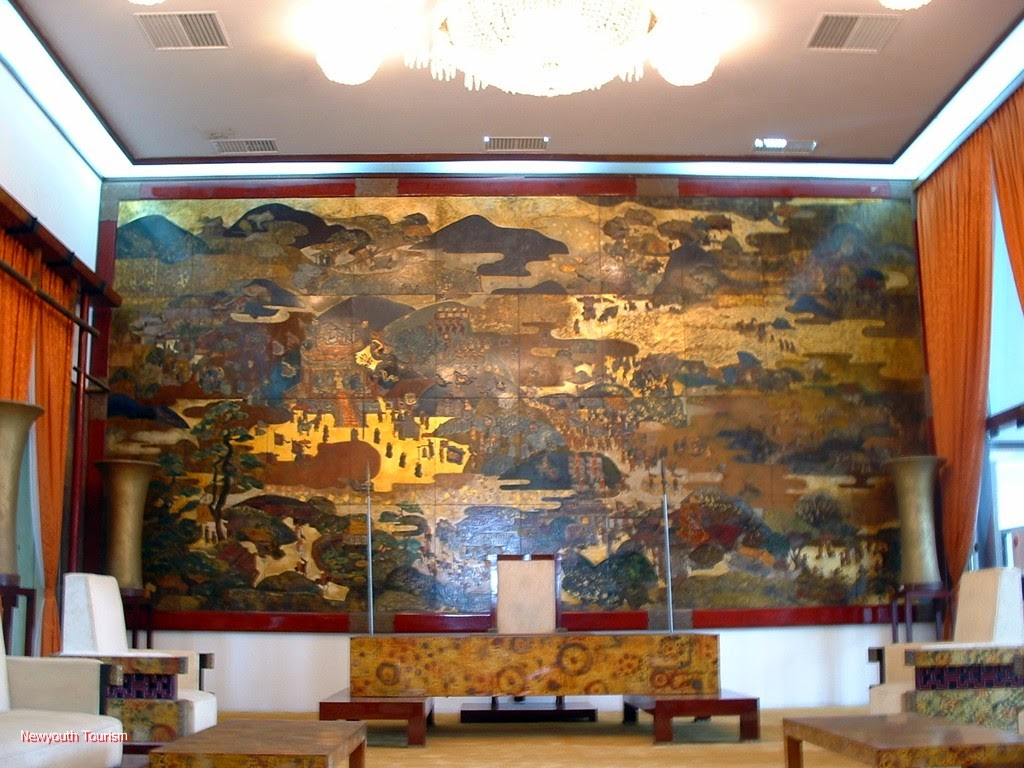 A_visit_to_Saigons_time_capsule_-_Independence_Palace_12
