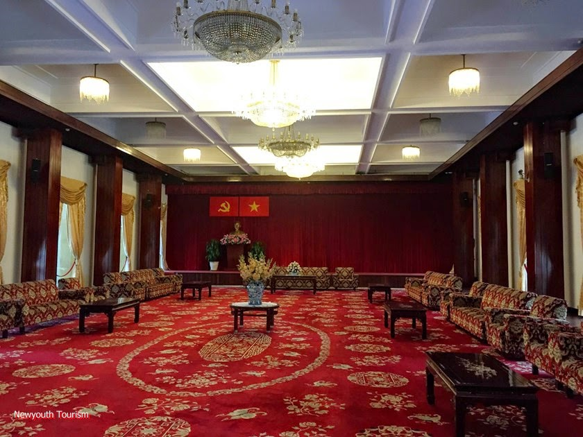 A_visit_to_Saigons_time_capsule_-_Independence_Palace_3