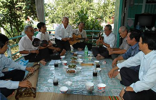 Art_of_n_ca_tai_t_music_and_song_in_southern_Viet_Nam_04
