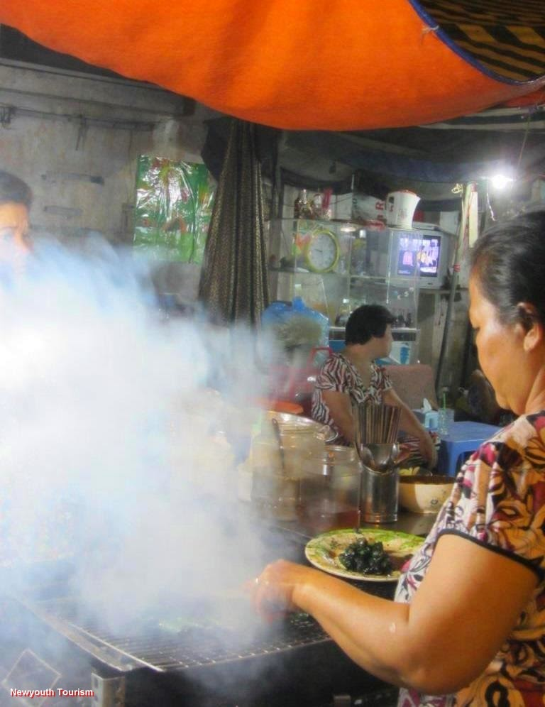 Best_Street_Food-Streets-in-Ho-Chi-Minh-city_14