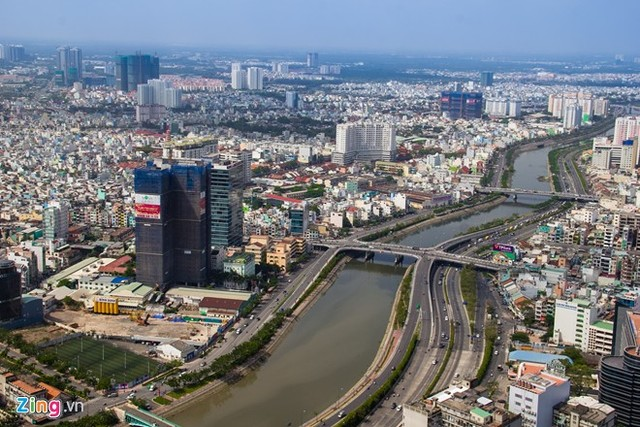 Bitexco_Financial_Tower_in_Ho_Chi_Minh_city_Vietnam_13