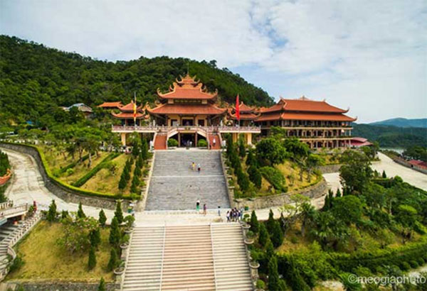 Cai_Bau_Pagoda_an_ideal_destination_for_spiritual_tourism_12
