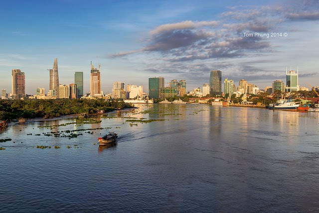 Sightseeing_On_Saigon_River_-_Sunset_Tour_01
