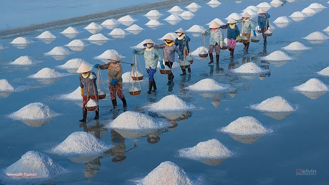 The-Salt-Fields_Near_Nha-Trang-Beach-city-Vietnam-15