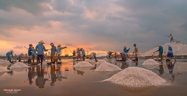 The-Salt-Fields_Near_Nha-Trang-Beach-city-Vietnam-19