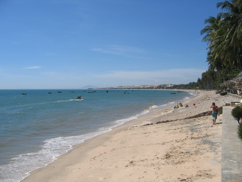 The-beauty-of-Mui-Ne-beach-Binh-Thuan-08
