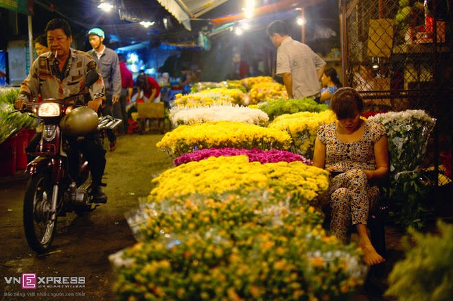 The_flower_market_that_never_sleeps_in_Saigon_10