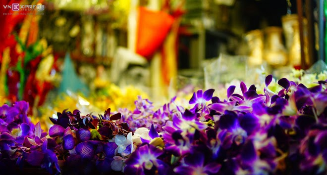 The_flower_market_that_never_sleeps_in_Saigon_4