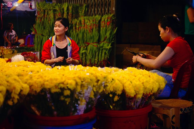 The_flower_market_that_never_sleeps_in_Saigon_6