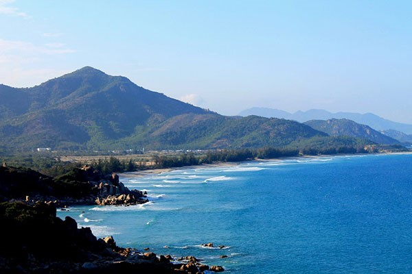 Top_10_tourist_destinations_in_central_Vietnam_04