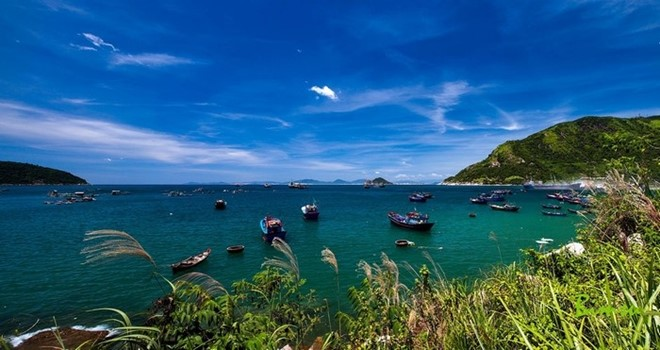 Top_10_tourist_destinations_in_central_Vietnam_10
