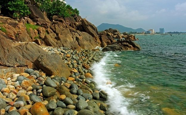 Top_tourist_destinations_in_Binh_Dinh_province_Vietnam_01