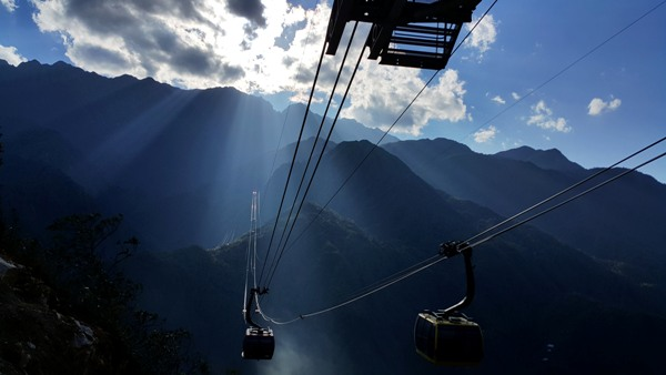 Worlds_longest_cable_car_system_unveiled_in_Lao_Cai_02