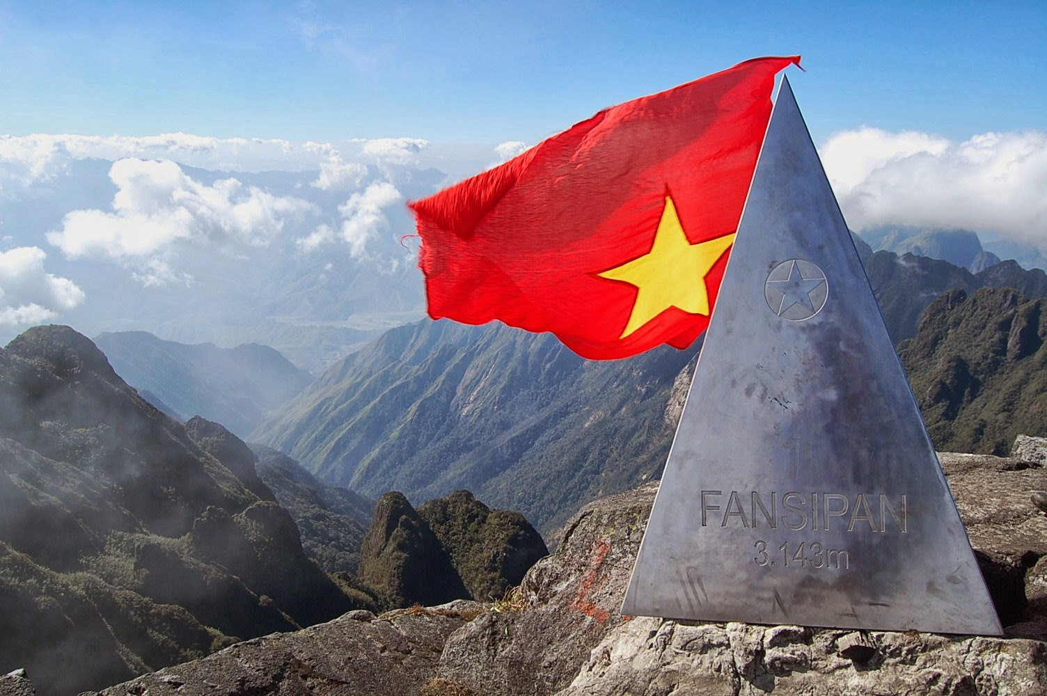 fansipan-mountain-in-vietnam_01