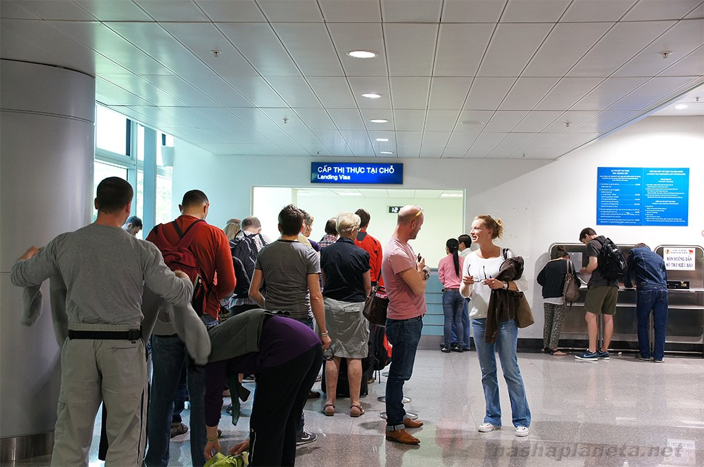 tan-son-nhat-airport-immigration-services