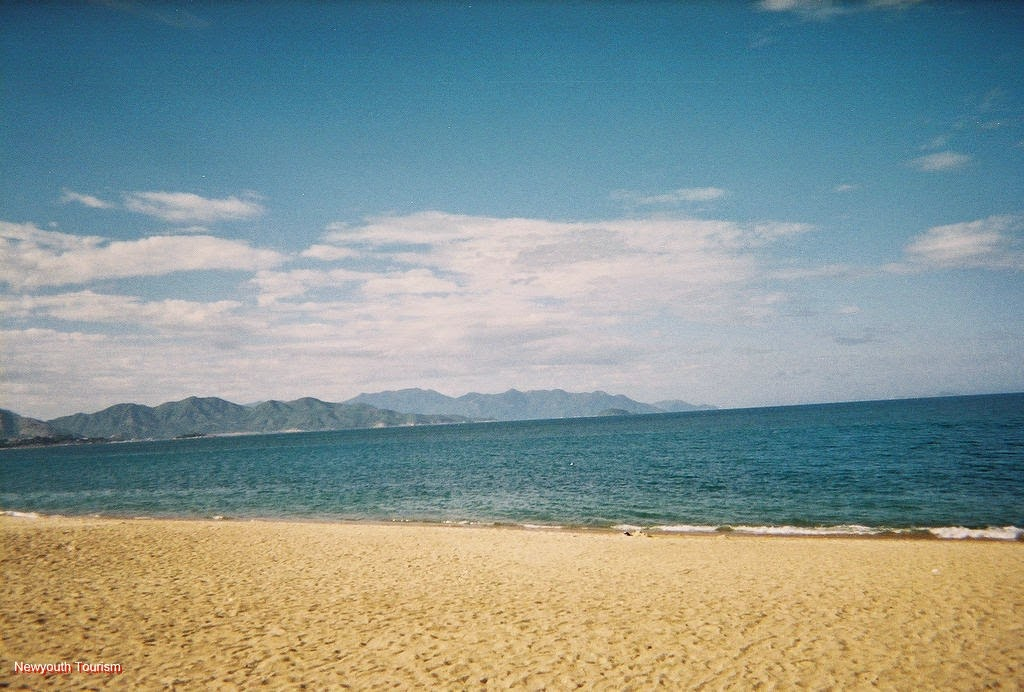 the-beauty-of-nha-trang-beach-city-vietnam_03